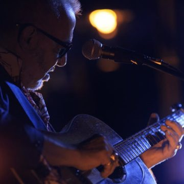 Legendary Guitarist Henry Padovani Performs at Metropole Hanoi
