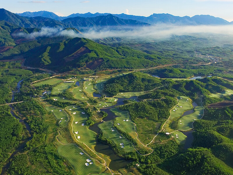 Ba-Na-Hills-Golf-Club-whole-course-800