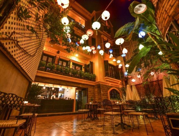 Paradise Group Debuts Internationally with Vietnamese Restaurants