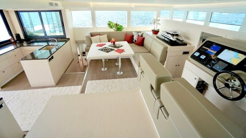 The S55 yacht has a 40m² air-conditioned salon and can host up to six guests.